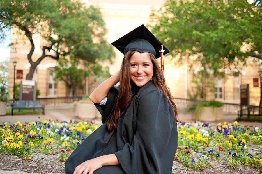 professional graduation portraits at texas state university, texas state senior portraits, senior photos at old main