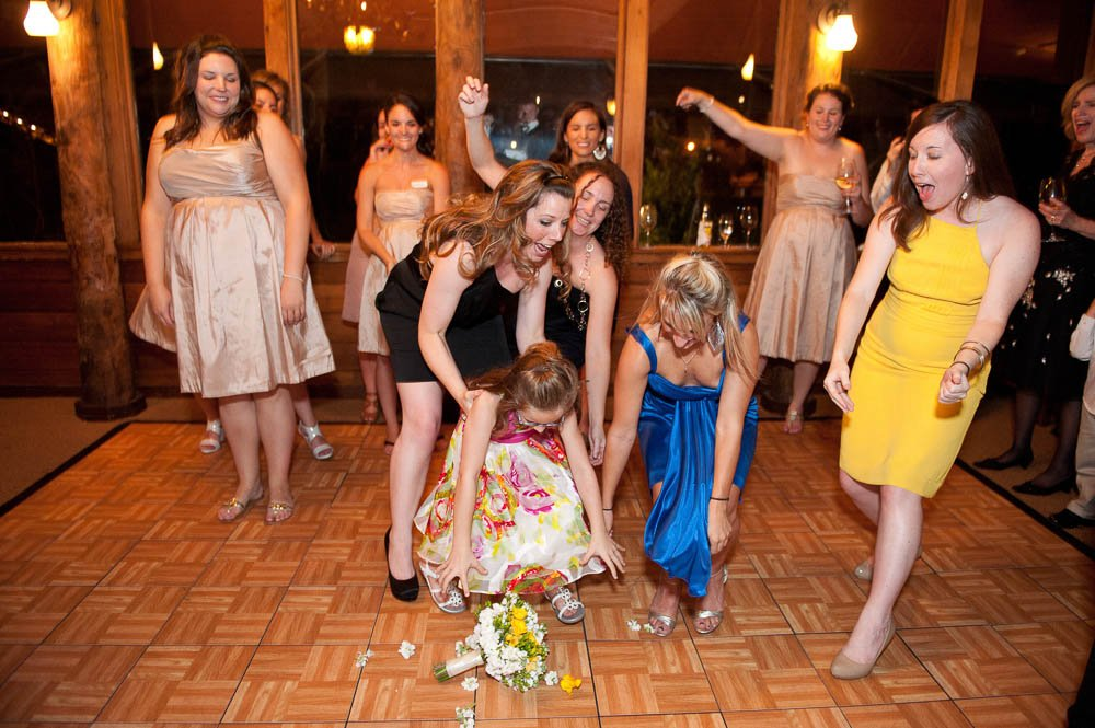 bouquet toss after