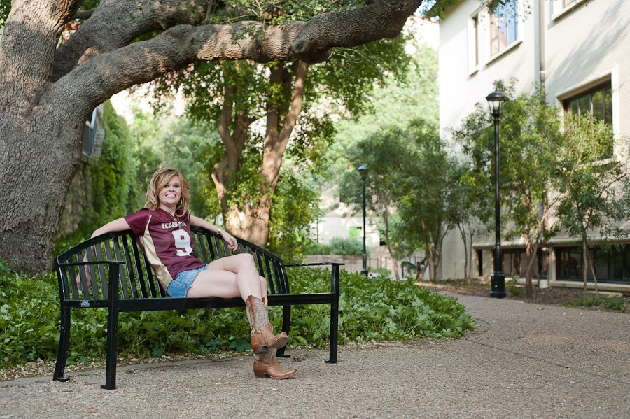 texas state graduation portraits, texas state quad grad photos
