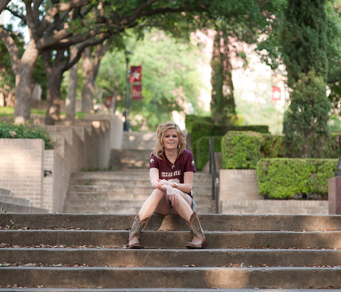 Texas State University Graduation Portraits | Leann