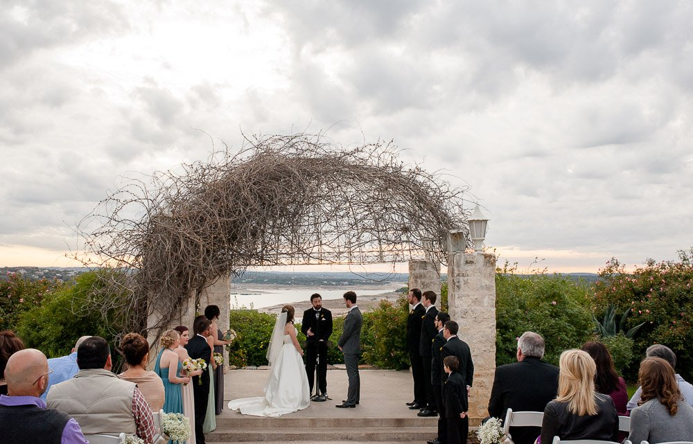 vintage villas wedding ceremony, austin texas wedding photojournalist
