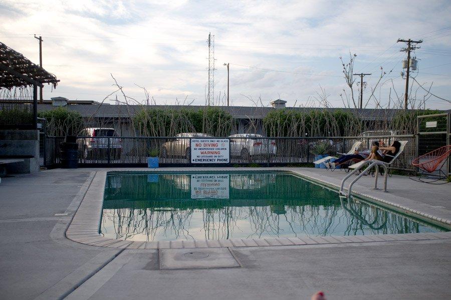 hotel thunderbird pool