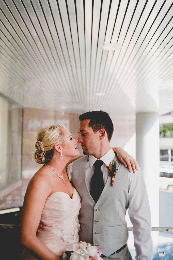 modern austin wedding photography, austin wedding photographer at omni hotel downtown, fresh wedding portraits at omni hotel in austin, 2000 dollar wedding photography in austin