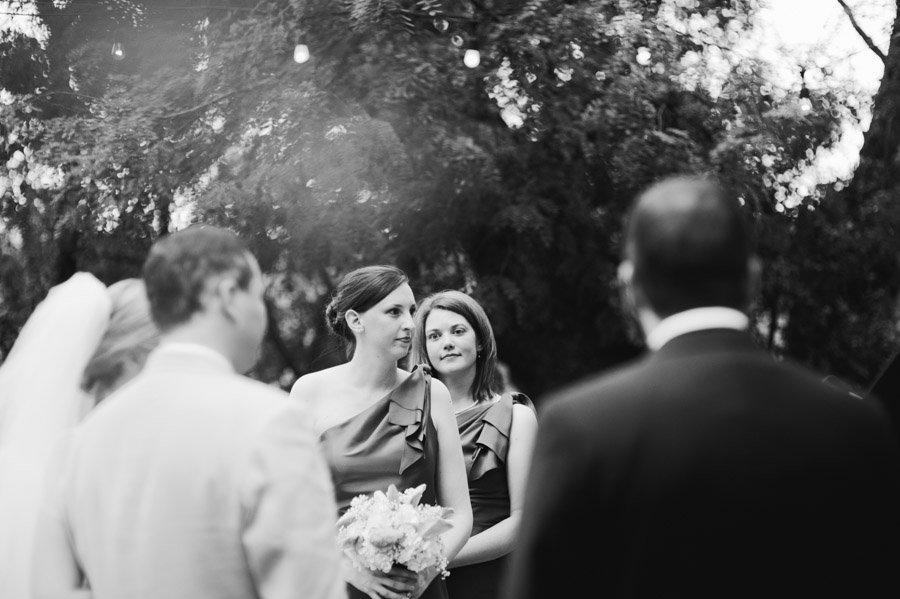 bridesmaids at Laguna Gloria wedding in May, vows taken at gazebo at Austin contemporary museum location Laguna gloria, photography by Caitlin McWeeney Photography