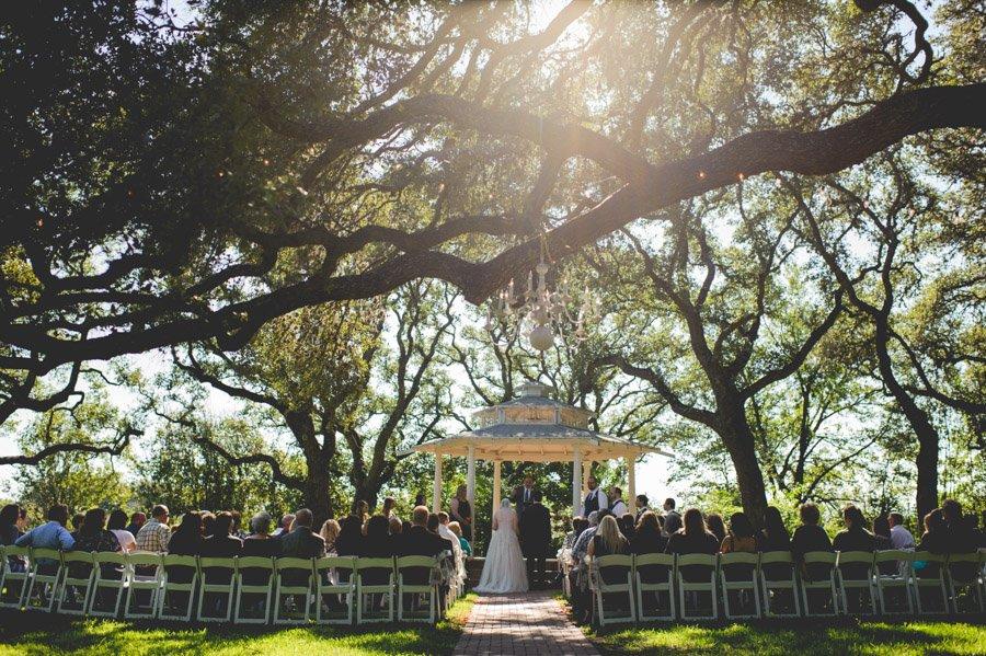 fall winfield inn wedding under the oaks in austin texas