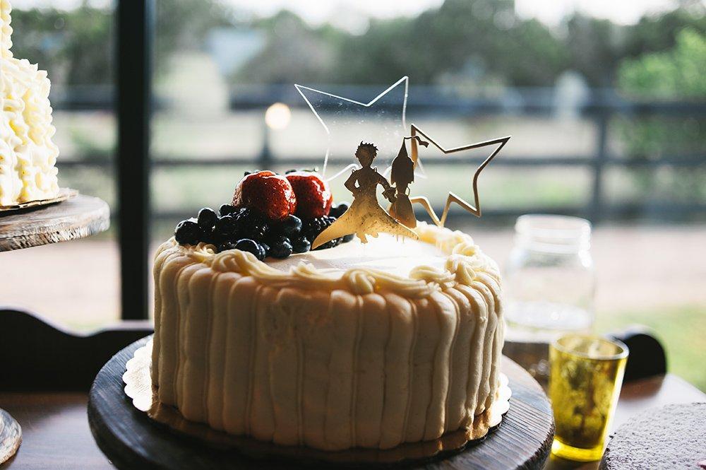 little prince wedding cake, austin creative wedding photographer, wedding photographer at antebellum oaks