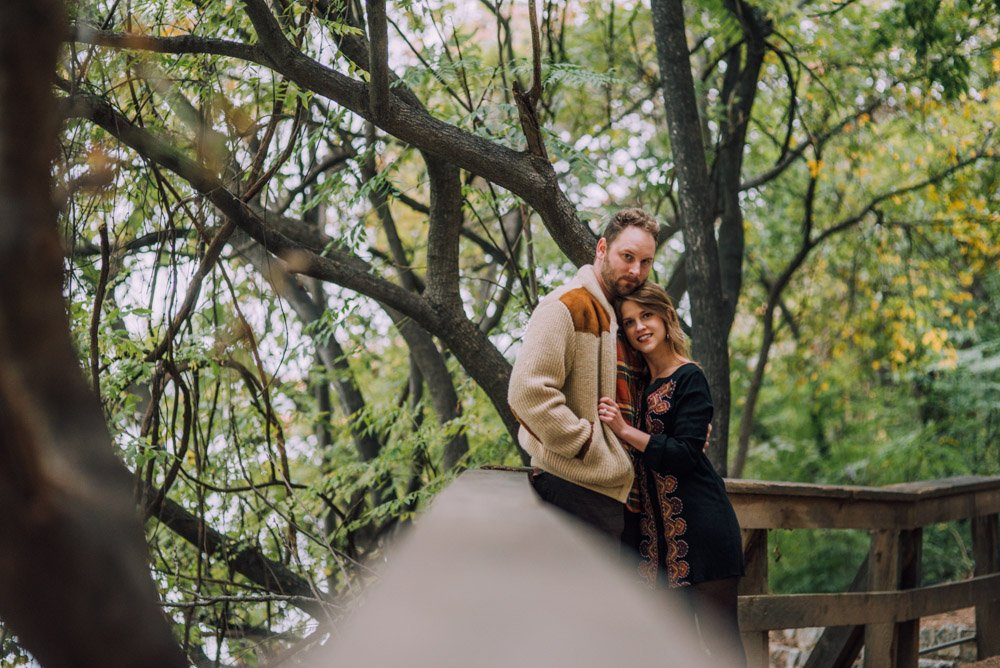 town lake engagement portraits, lifestyle pre-wedding couple's session, austin hill country wedding photographer, vintage inspired engagement photographs, lifestyle wedding photographer, romantic pre wedding photography
