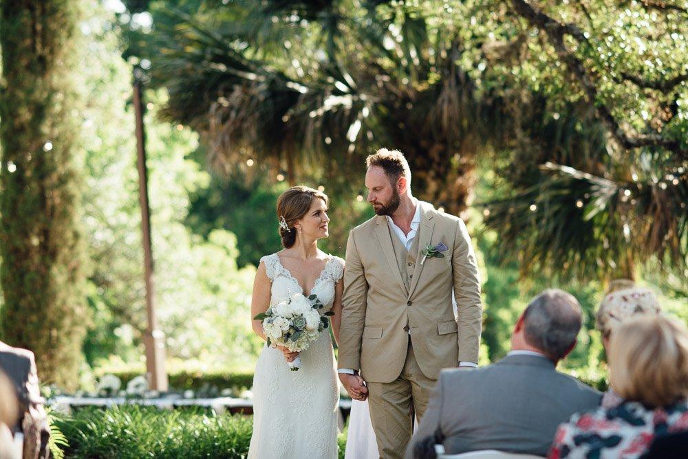 austin wedding photographer, modern and creative wedding photography, contemporary austin wedding photographer, happy wedding photography, laguna gloria wedding photographer