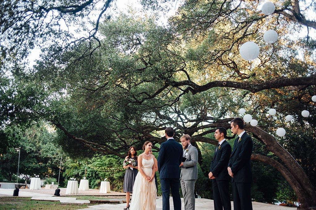 wedding photography in austin texas at mercury hall