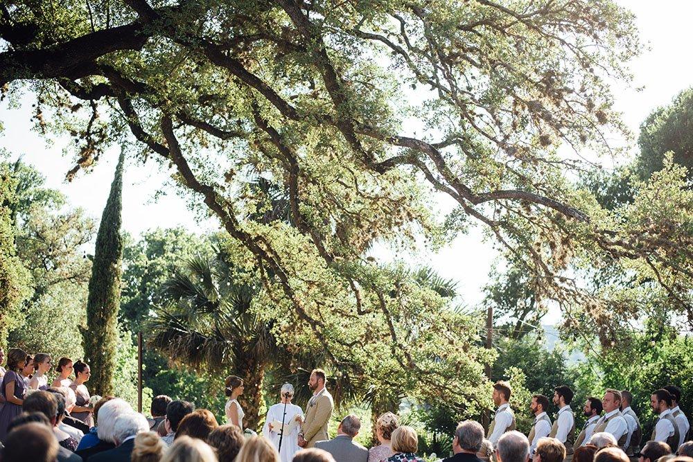 austin wedding venues list, list of best austin weddings, best places to get married in austin, austin wedding vendor list, best venues in austin, central texas wedding venue ideas