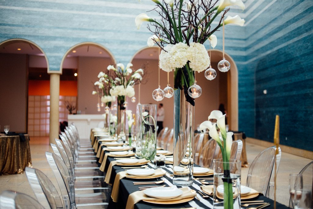 black and white wedding at the blanton museum of art austin, chic black and white wedding in austin texas, blanton museum of art wedding