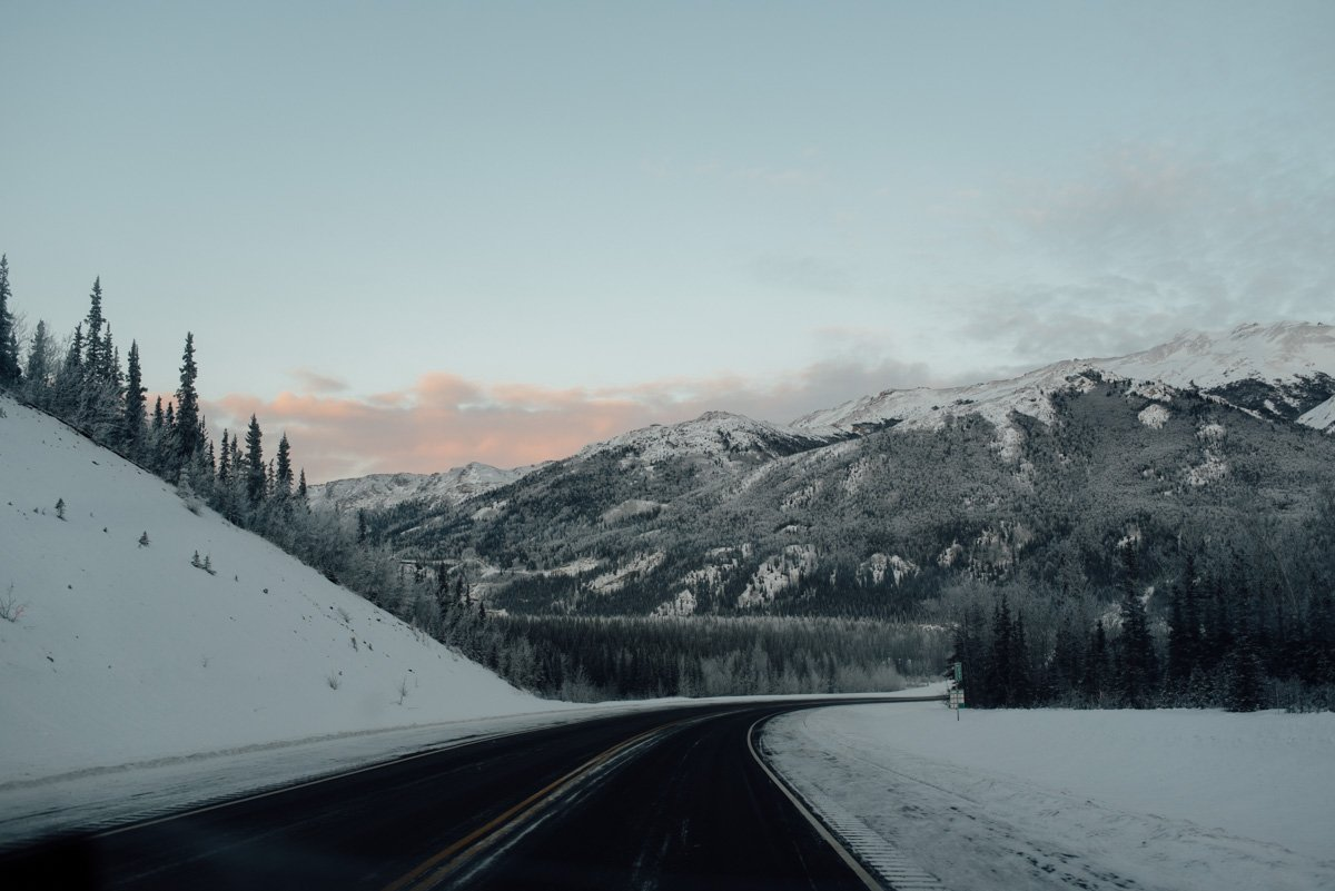 alaska-driving-road-7448