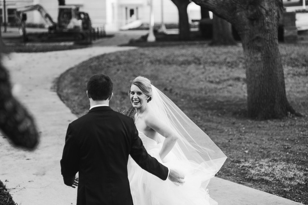 candid wedding photography in fort worth or dallas texas