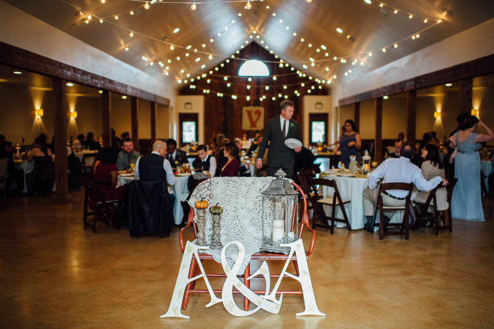 heritage house wedding photography, brunch wedding at heritage house, fall wedding in austin, november wedding in austin texas at heritage house dripping springs, dripping springs wedding