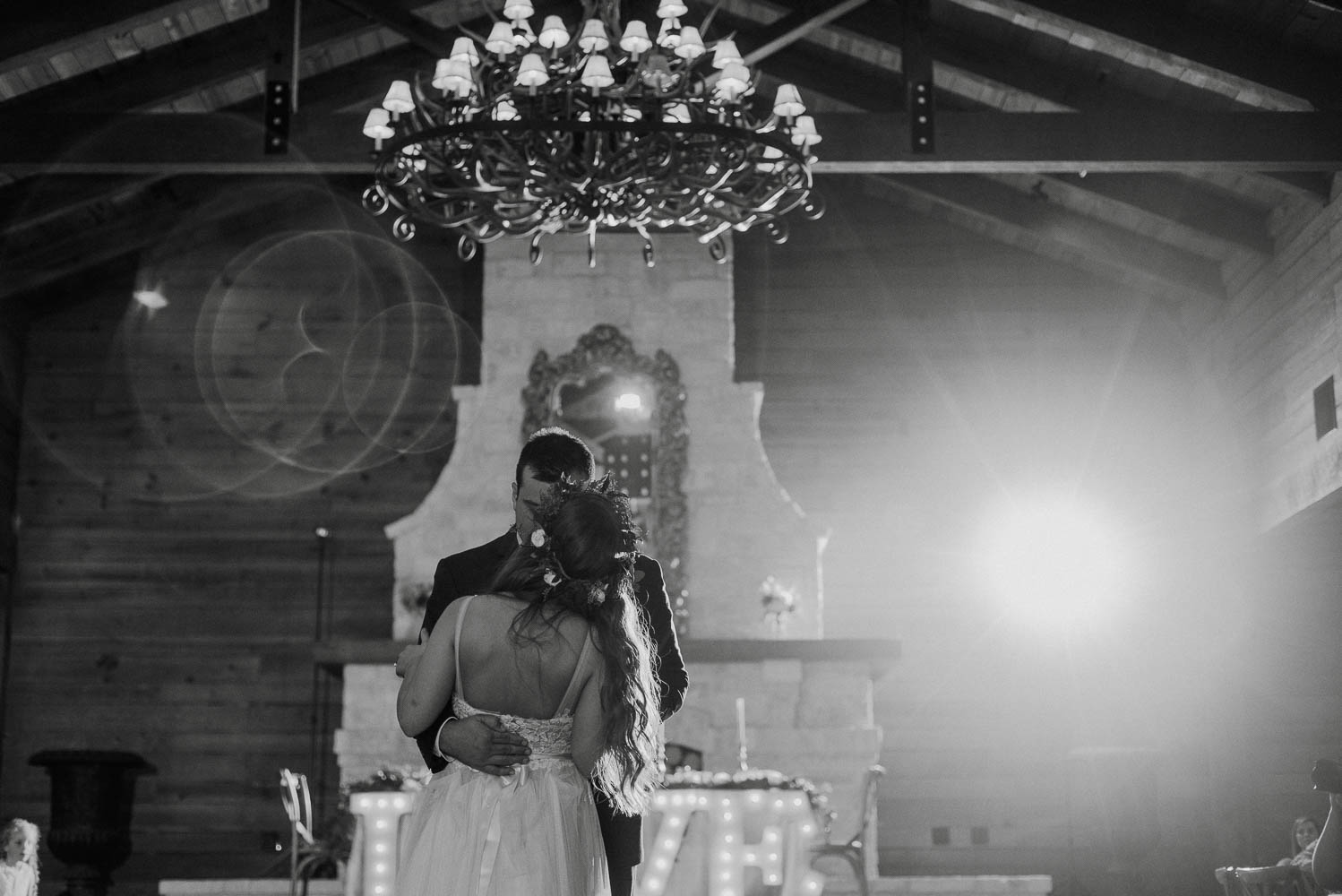 first dance at classic oaks ranch, mansfield wedding venues, north texas weddings, ranch wedding photographs in texas,