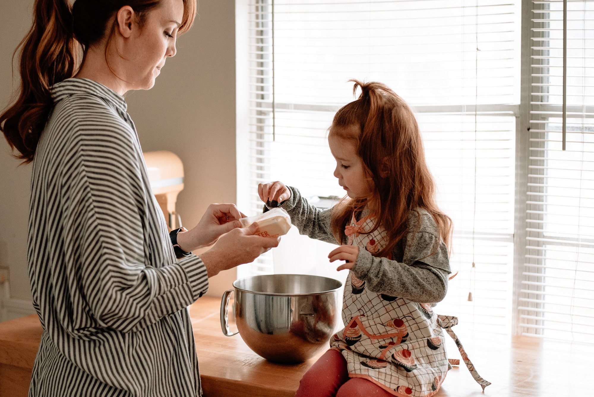 mommy and me session baking together