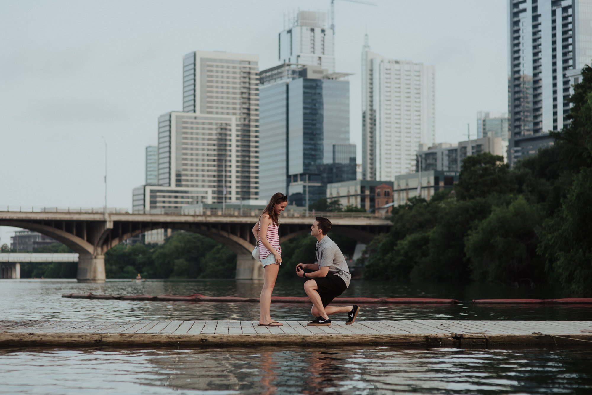 austin proposal photography on town lake, downtown austin proposal on the water, town lake proposal, austin proposal photographer, proposal photography in austin texas