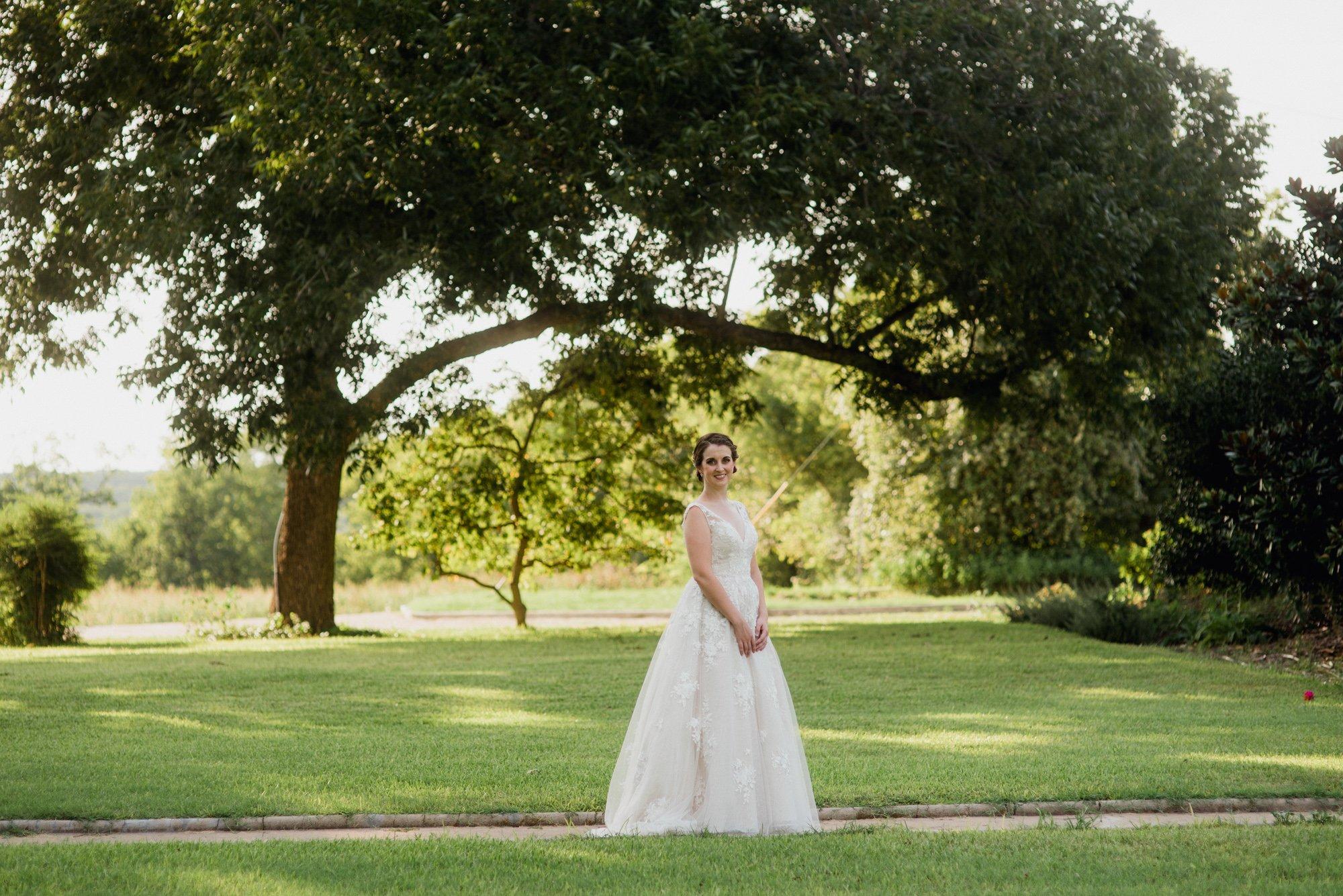 summer bridal session at barr mansion