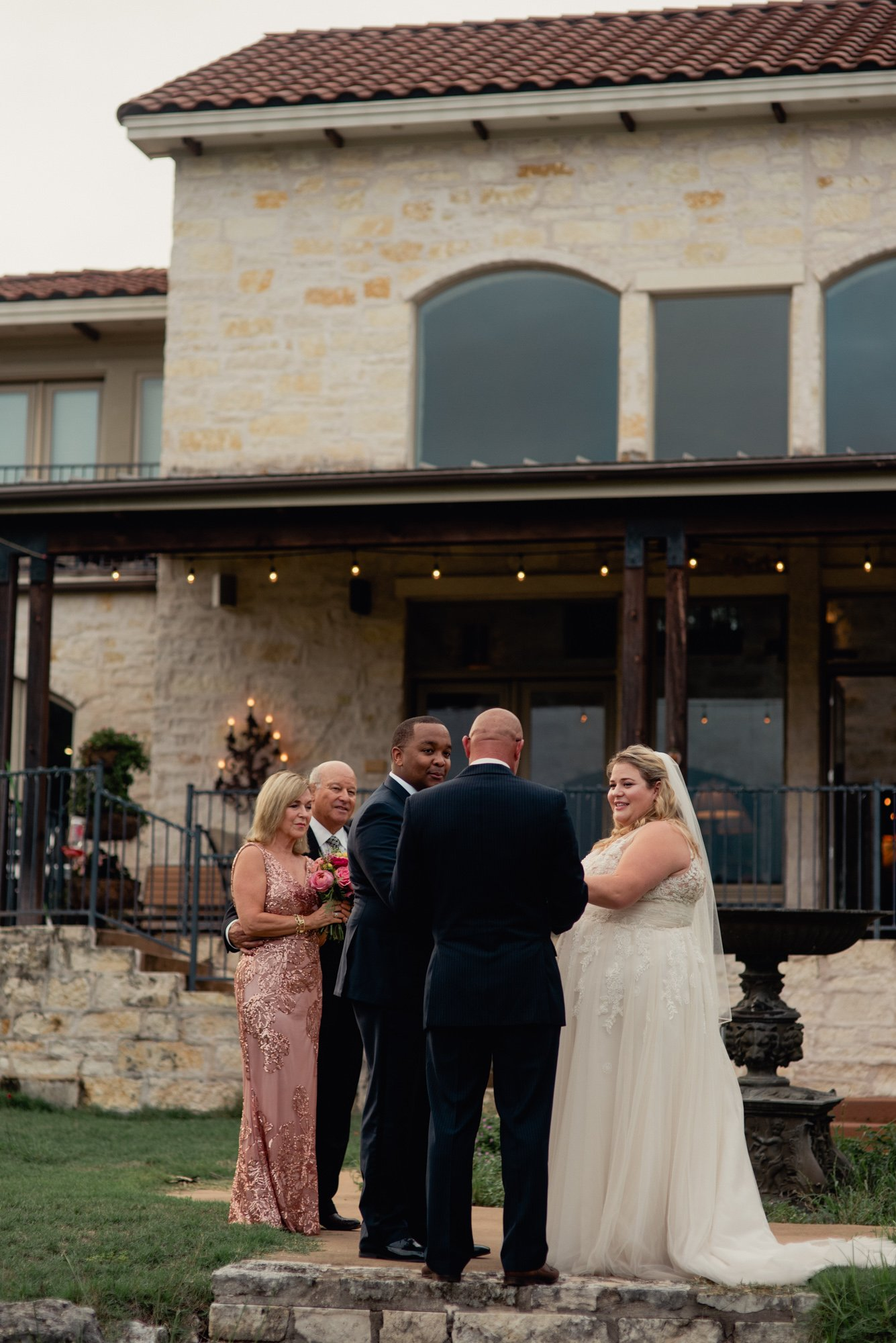 austin lake house elopement photos, austin small wedding photographer, small lake house wedding austin texas, austin elopement photography