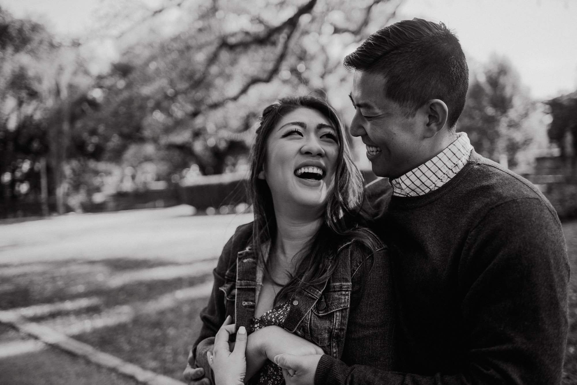 candid engagement photos at Laguna Gloria in Austin Texas,