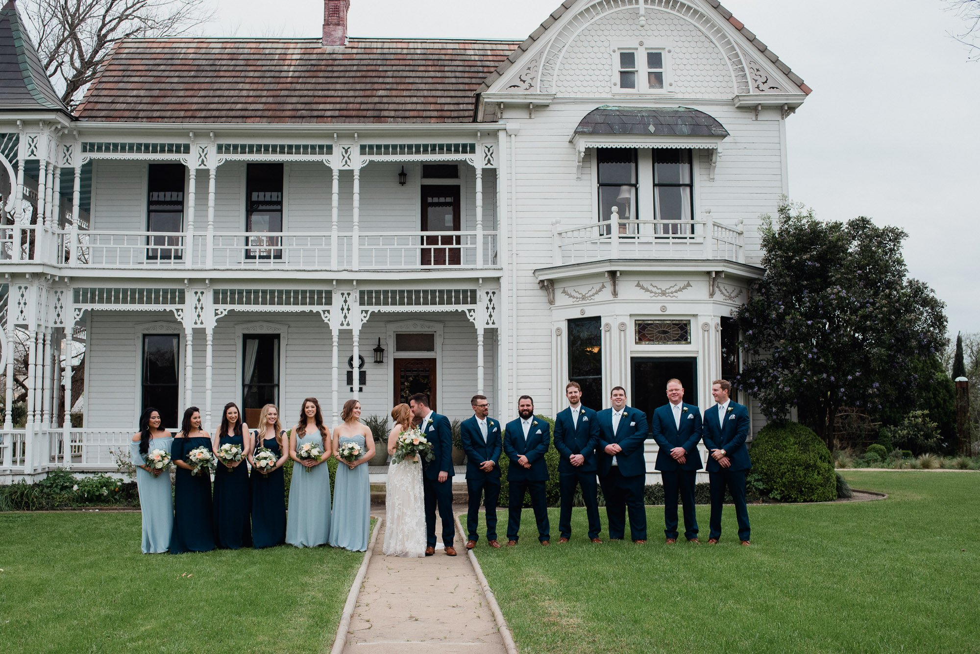 wedding party photos on the barr mansion lawn