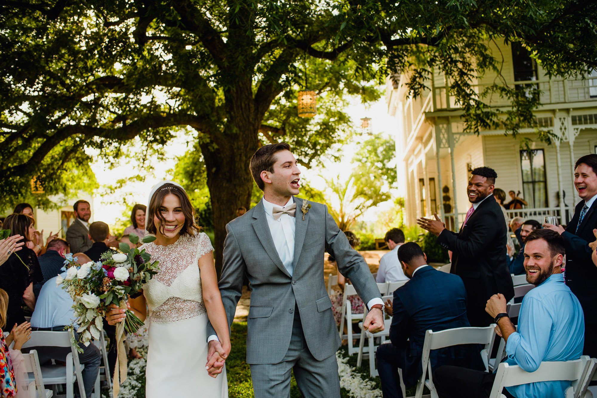 barr mansion wedding, summer wedding outdoors, austin wedding at the barr mansion