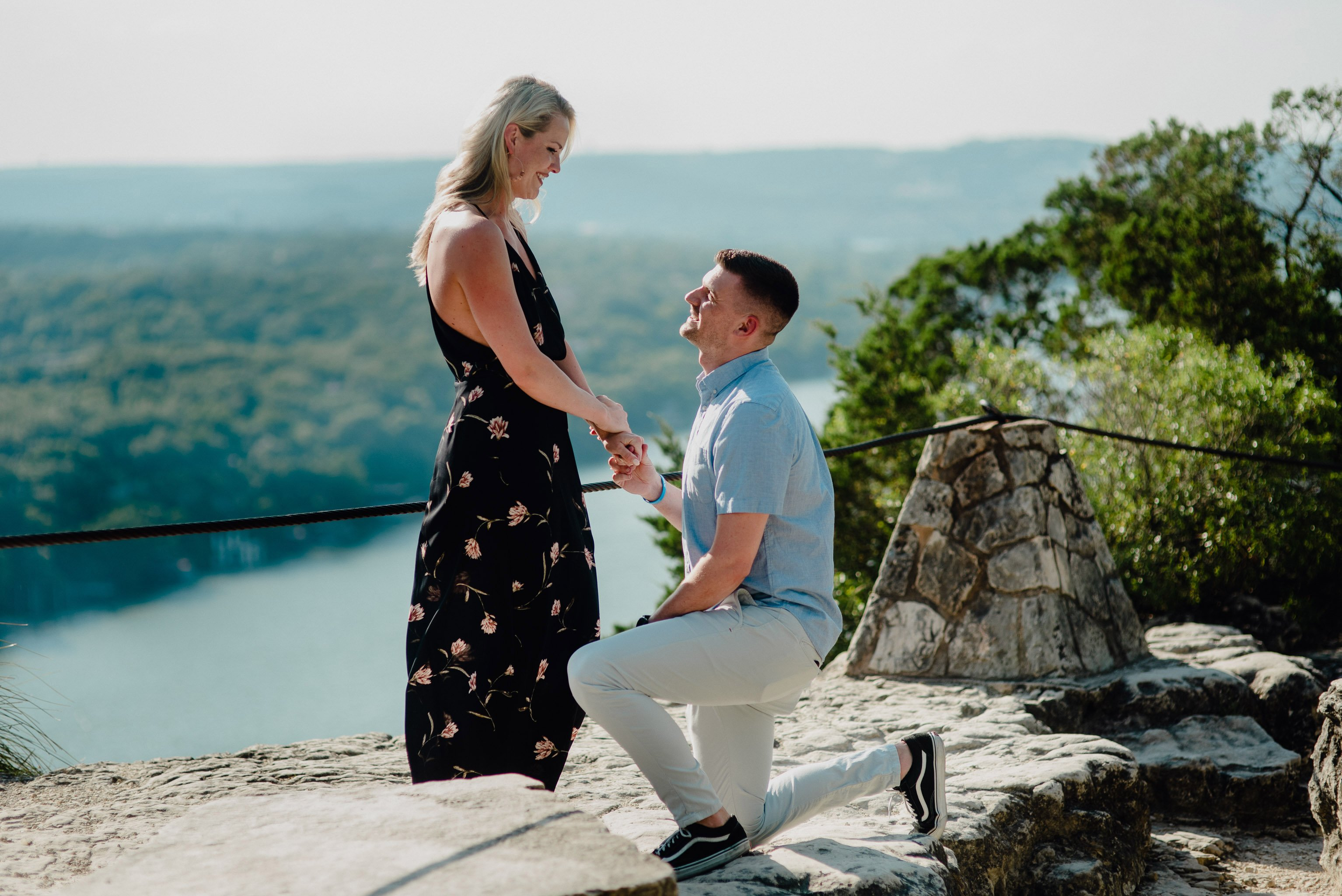 austin proposal photographer, proposal on top of mt. bonnell, outdoorsy proposal photos